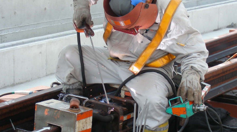 Enclosed arc welding